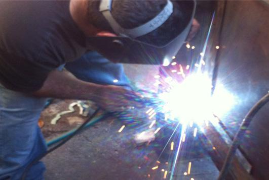 sign fabrication and manufacturing